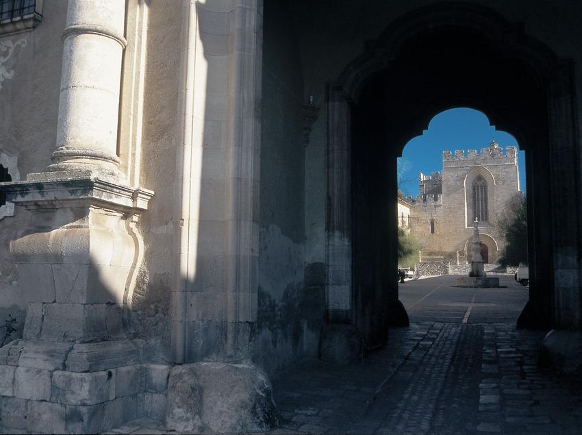 Entrada al monasterio de Santes Creus  (Servicios Editoriales Georama)