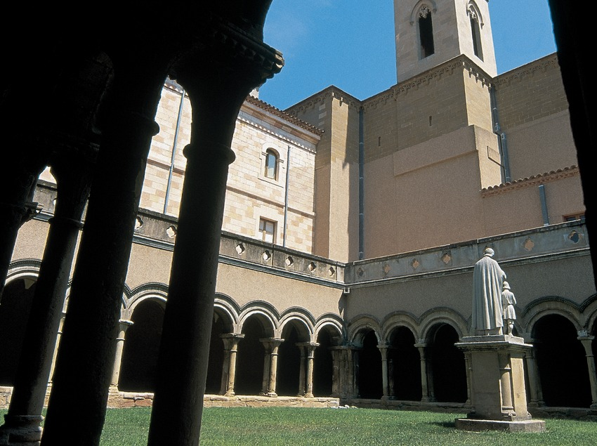 Cloister of the Bellpuig de les Avellanes monastery  (Servicios Editoriales Georama)